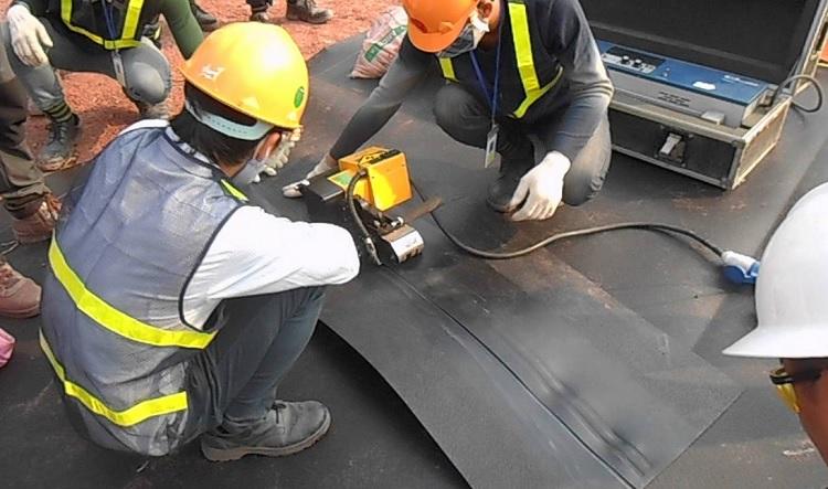 Thi công màng chống thấm HDPE - Giá bạt nhựa HDPE 0.3mm đến 2.0mm
